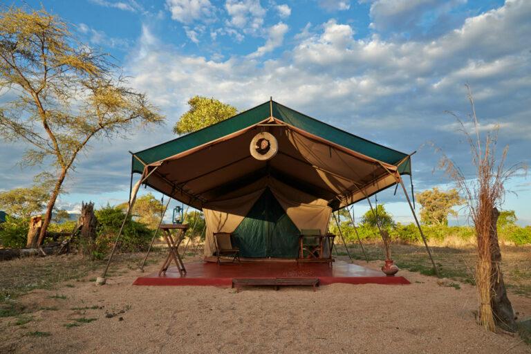 Camps & Lodges im Ruaha Nationalpark: Mdonya Old River Camp